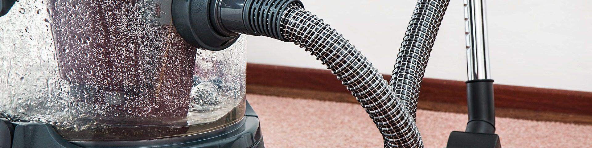 Jak skutecznie wyczyścić tapicerkę samochodową?