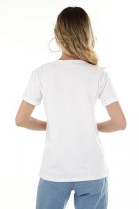 Jaką technikę wybrać do zrobienia nadruku na koszulce?